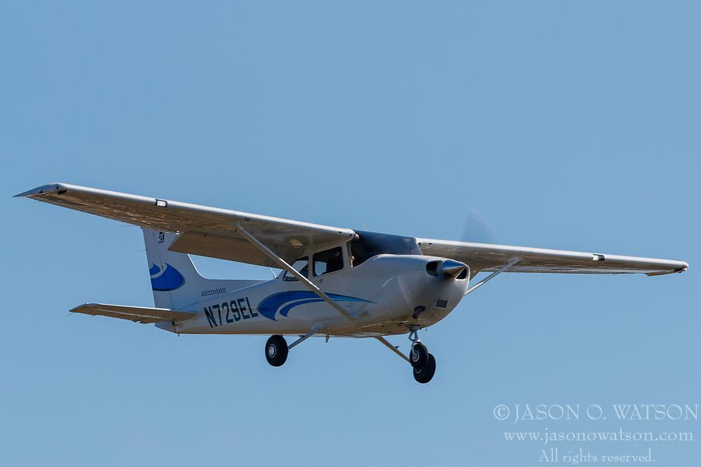 Cessna 172S (N729EL) on approach to Palo Alto Airport (KPAO), Palo Alto, California, United States of America