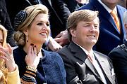Koningsdag 2017 in Tilburg / Kingsday 2017 in Tilburg<br /> <br /> Op de foto / On the photo:  Koning Willem-Alexander en koningin Maxima / King Willem-Alexander and Queen Maxima