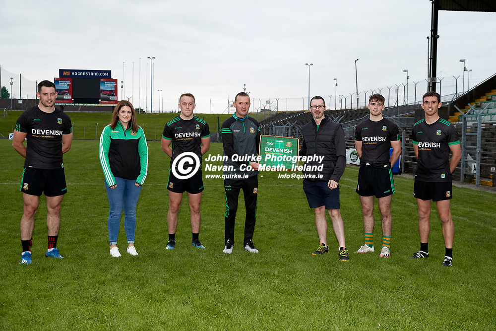 08-07-21, Club Na Mhi Jersey Square Presentations at Pairc Tailteann.<br /> Pictured, L-R, Donal Keogan, Eimear Farrell, Ronan Ryan, Andy McEntee, Ronan Gingles, Cathal Hickey, Shane McEntee<br /> Photo: David Mullen / www.quirke.ie ©John Quirke Photography, Proudstown Road Navan. Co. Meath. 046-9079044 / 087-2579454.<br /> ISO: 2000; Shutter: 1/250; Aperture: 5;