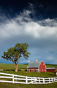 Red barn in Washington's Palouse Region.