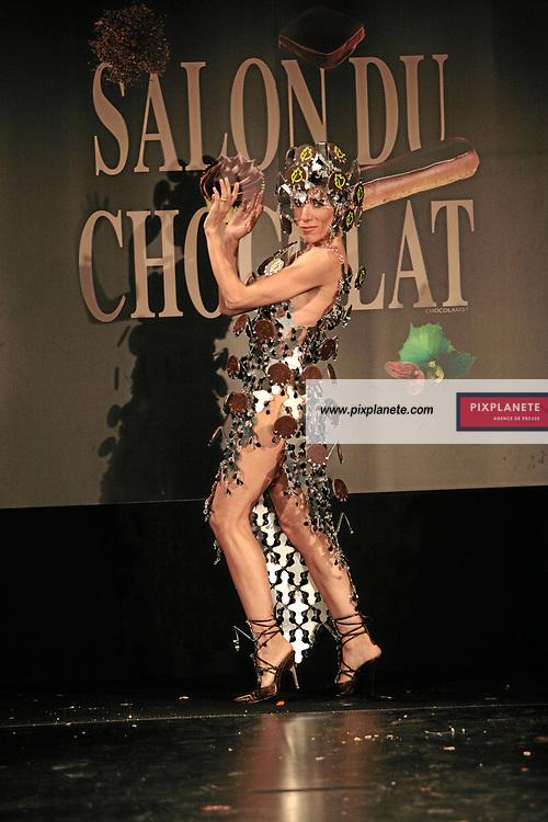 Blanca Li - (mention obligatoire :) Salon du Chocolat - Maquillage / Coiffure Lucie Saint-Clair - Paris, le 18/10/2007 - JSB / PixPlanete