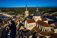 France, Nièvre (58), La Charité-sur-Loire, chemin de Saint-Jacques-de-Compostelle, église Notre-Dame, val de Loire // France, Nièvre (58), La Charité-sur-Loire, way of Saint-Jacques-de-Compostelle, Notre-Dame church, Loire valley