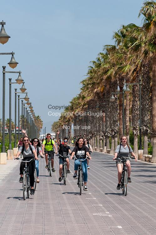 Espagne, Valence, quartier maritime, bord de mer plage de Malbarossa// Spain, Valencia, Maritime district, sea side of Malbarossa