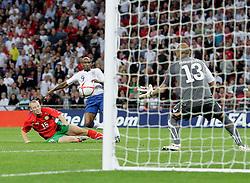 04.09.2010, Wembley Stadium, London, ENG, UEFA Euro 2012 Qualification, England v Bulgaria, im Bild Jermain Defoe of England score his hat-trick (4-0) during England vs Bulgaria. EXPA Pictures © 2010, PhotoCredit: EXPA/ IPS/ Marcello Pozzetti +++++ ATTENTION - OUT OF ENGLAND/UK +++++ / SPORTIDA PHOTO AGENCY