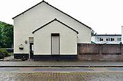 Nederland, 27-5-2014Een hoekwoning in de wijk Het Broek. De rolluiken zijn gesloten aan de straatkant om inkijk te voorkomen.Foto: Flip Franssen/Hollandse Hoogte