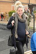 Leden van de koninklijke familie nemen deel aan de tweede editie van De Hollandse 100 op FlevOnice, een sportief evenement van fonds Lymph&Co ter ondersteuning van onderzoek naar lymfeklierkanker. <br /> <br /> Members of the royal family take part in the second edition of the Dutch 100 on FlevOnice, a sporting event Lymph & Co fund to support research into lymphoma.<br /> <br /> Op de foto / On the photo:  Liza Sips ( zwanger ) en partner Ralph Manheim