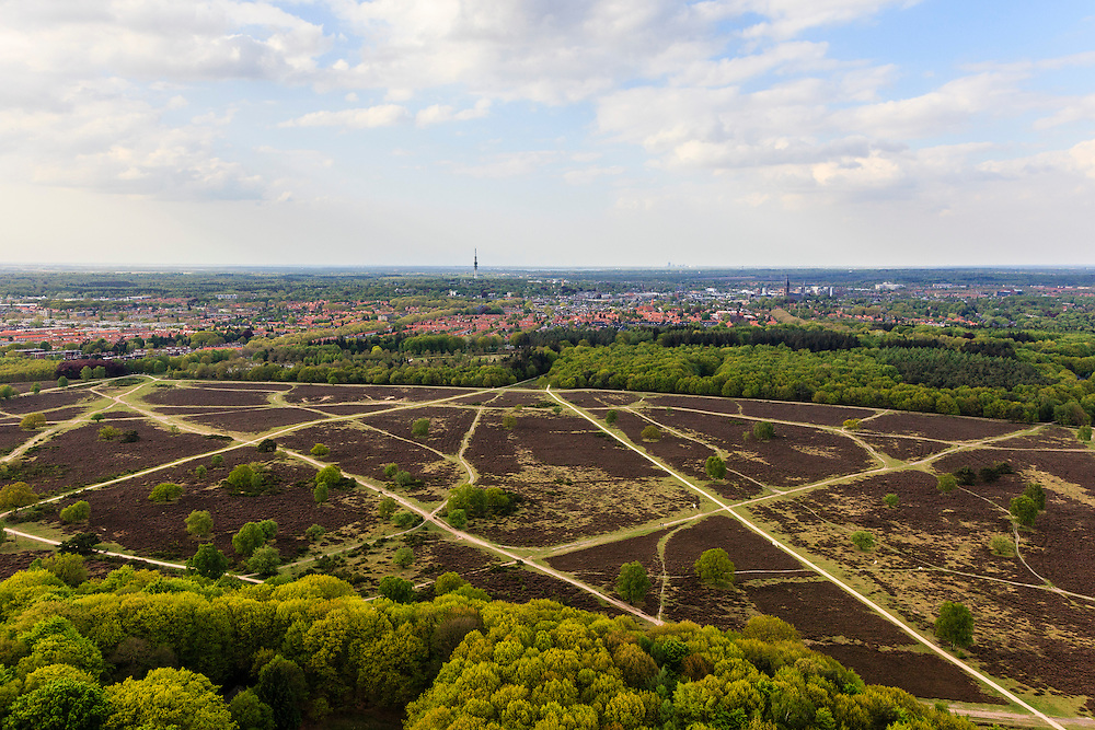 Nederland, Noord-Holland, Hilversum, 09-05-2013; Hilversumse heide, bebouwde kom van Hilversum in de achtergrond.<br /> Hilversum heath, village of Hilversum in the background.<br /> luchtfoto (toeslag op standard tarieven)<br /> aerial photo (additional fee required)<br /> copyright foto/photo Siebe Swart