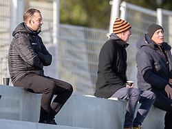 Sportslig ansvarlig Brian Gellert (FC Helsingør) på tribunen under kampen i 1. Division mellem FC Helsingør og Skive IK den 18. oktober 2020 på Helsingør Stadion (Foto: Claus Birch).