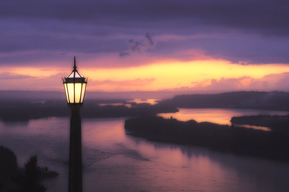 Columbia River, sunset, view from Crown Point, Oregon, USA