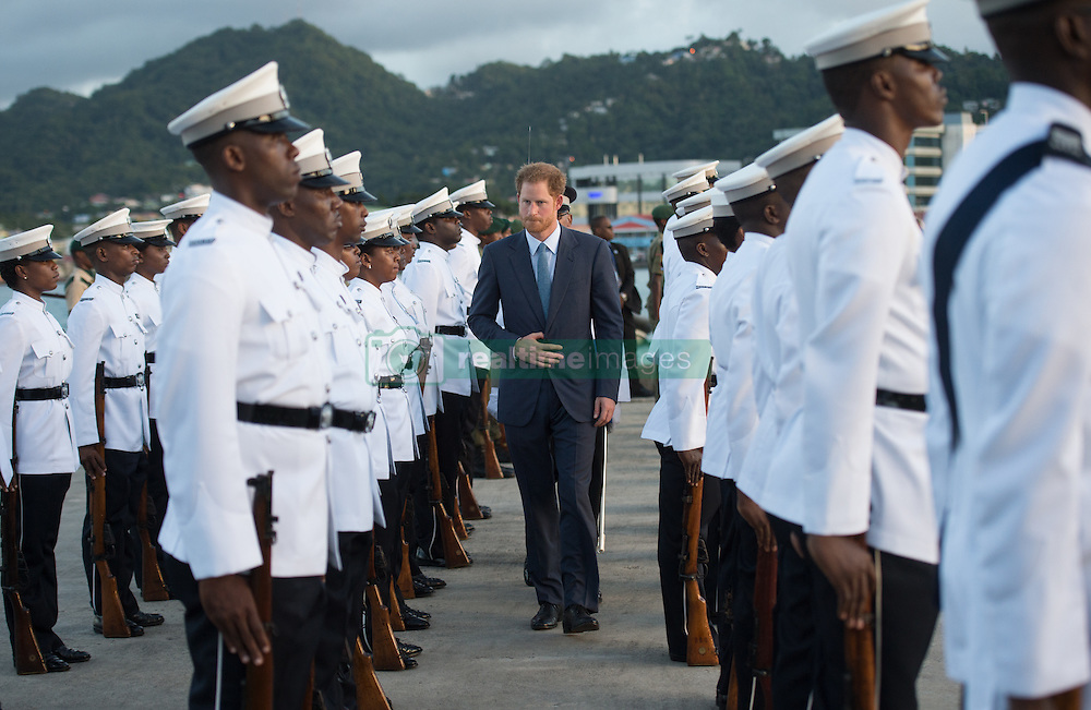 Prinz Harry wird bei seiner Ankunft auf St. Lucia mit militärischen Ehren empfangen / 241116<br /> <br /> *** ST LUCIA 24TH NOVEMBER 2016:  Prince Harry attends an official arrival and welcome parade at Pointe Seraphine in Castries on day five of his Caribbean Tour on the 24th November 2016.<br /> ***