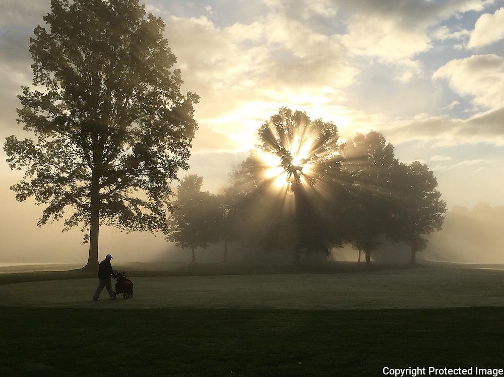 Early monring golf in Ohio