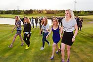 17-05-2015 NGF Competitie 2015, Hoofdklasse Heren - Dames Standaard - Finale, Golfsocieteit De Lage Vuursche, Den Dolder, Nederland. 17 mei. Dames Noordwijkse: Team tijdens de prijsuitreiking.