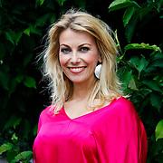 NLD/Amsterdam/20100716 - Inloop modeshow Monique de Collignon bij de AIF, Susan Smit