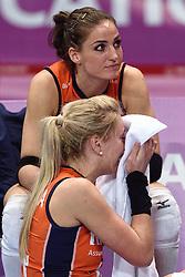 09-01-2016 TUR: European Olympic Qualification Tournament Rusland - Nederland, Ankara<br /> De Nederlandse volleybalsters hebben de finale van het olympisch kwalificatietoernooi tegen Rusland verloren. Oranje boog met 3-1 voor de Europees kampioen (25-21, 22-25, 25-19, 25-20) / Laura Dijkema #14, Myrthe Schoot #9