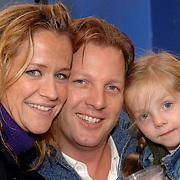 NLD/Amsterdam/20061006 - Premiere Winxclub on tour, Michel Mol en partner Pauline Huizinga en dochter Myrthe