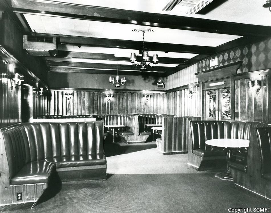 1979 Interior of Chasen's Restaurant on Beverly Blvd.