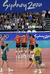 19-09-2000 AUS: Olympic Games Volleybal Nederland - Australie, Sydney<br /> Nederland wint vrij eenvoudig van Australie met 3-0 / Bas van de Goor, Peter Blange, Richard Schuil, Reinder Nummerdor