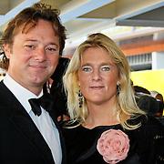 NLD/Tilburg/20101010 - Inloop musical Legaly Blonde, Frits Sissing en partner Willemijn