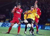 Fotball<br /> England 2004/2005<br /> Foto: Colorsport/Digitalsport<br /> NORWAY ONLY<br /> <br /> Jay DeMerit (Watford) Milan Baros (Liverpool)<br /> <br /> Watford v Liverpool<br /> <br /> Carling League Cup Semi Final 2nd leg. 25/1/2005