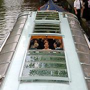 NLD/Amsterdam/20060520 - Huwelijk Edwin van der Sar en Annemarie van Kesteren, rondvaartboot, Annemarie van Kesteren