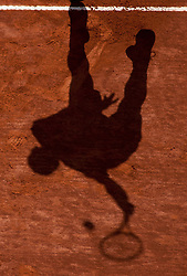 20.04.2012, Country Club, Monte Carlo, MON, ATP World Tour, Rolex Masters, Viertelfinale, im Bild A shadow of a player during the quarter final singles match between Andy Murray (GBR) and Tomas Berdych (CZE) // during Rolex Masters tennis tournament quarter Final of ATP World Tour at Country Club, Monte Carlo, Monaco on 2012/04/20. EXPA Pictures © 2012, PhotoCredit: EXPA/ Mitchell Gunn