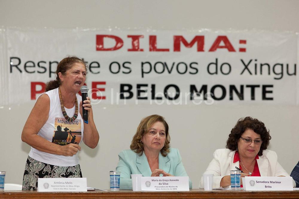 Antonia Melo, head of Xingu Vivo Para Siempre in Altamira, talking at a seminar against Belo Monte dam.