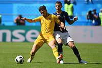 Mathew LECKIE (AUS), Aktion,Zweikampf gegen Lucas HERNANDEZ (FRA). Frankreich (FRA)-Australien (AUS) 2-1, Vorrunde, Gruppe C, Spiel 5, am 16.06.2018 in Kasan,Kasan Arena. Fussball Weltmeisterschaft 2018 in Russland vom 14.06. - 15.07.2018. *** Mathew LECKIE OFF Action Duel against Lucas HERNANDEZ FRA France FRA Australia AUS 2 1 Preliminary Group C Match 5 on 16 06 2018 in Kazan Kazan Arena Soccer World Cup 2018 in Russia from 14 06 15 07 2018