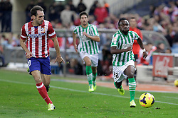 27.10.2013, Estadio Vicente Calderon, Madrid, ESP, Primera Division, Atletico Madrid vs Real Betis, 10. Runde, im Bild Atletico de Madrid's Juanfran (L) and Real Betis Cedrick // Atletico de Madrid's Juanfran (L) and Real Betis Cedrick during the Spanish Primera Division 10th round match between Club Atletico de Madrid and Real Betis at the Estadio Vicente Calderon in Madrid, Spain on 2013/10/28. EXPA Pictures © 2013, PhotoCredit: EXPA/ Alterphotos/ Victor Blanco<br /> <br /> *****ATTENTION - OUT of ESP, SUI*****