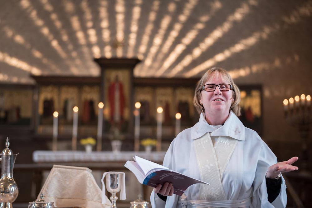 16 April 2017, Stockholm, Sweden: Easter celebration in Högalid Church, Church of Sweden. Christina Engqvist leads the service.