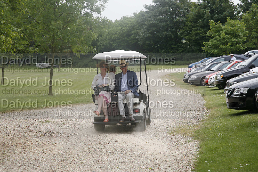 Beth Rothschild ( ?)and Lord Jacob Rothschild. Guy Leymarie and Tara Getty host The De Beers Cricket Match. The Lashings Team versus the Old English team. Wormsley. ONE TIME USE ONLY - DO NOT ARCHIVE  © Copyright Photograph by Dafydd Jones 66 Stockwell Park Rd. London SW9 0DA Tel 020 7733 0108 www.dafjones.com