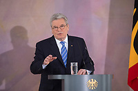 22 FEB 2013, BERLIN/GERMANY:<br /> Joachim Gauck, Bundespraesident, haelt eine Rede zu Europa, Schloss Bellevue<br /> IMAGE: 20130222-02-016<br /> KEYWORDS: Europarede, speech, Europe, Bellevue Forum