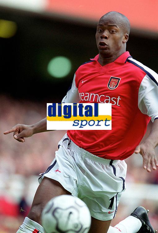 Sylvian Wiltord (Arsenal). Arsenal 2:1 Coventry City, F.A. Carling Premiership, 16/9/2000. Credit: Colorsport / Stuart MacFarlane