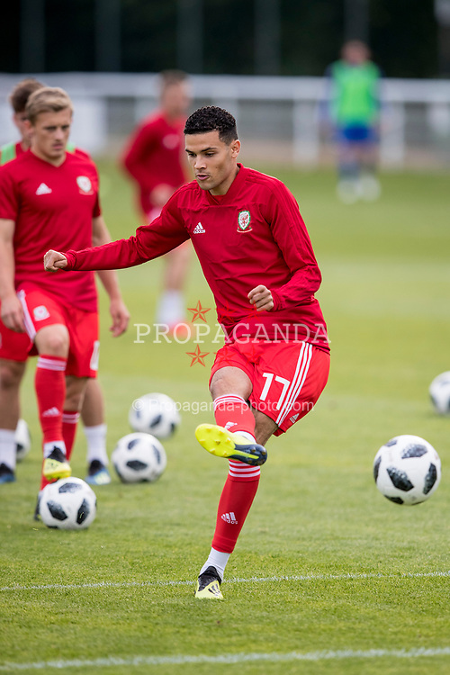 BANGOR, WALES - Friday, September 7, 2018: Wales' Isaac Christie-Davies during the pre-match warm-up before the UEFA Under-21 Championship Italy 2019 Qualifying Group B match between Wales and Liechtenstein at the Nantporth Stadium. (Pic by Paul Greenwood/Propaganda)