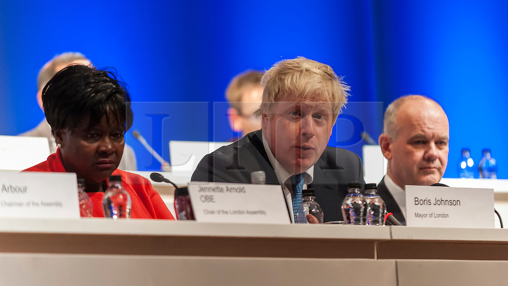 © Licensed to London News Pictures. 26/11/2015. London, UK. Mayor of London, Boris Johnson, attends People's Question Time, at the Beck Theatre, Hillingdon on Thursday 26th November 2015.  The twice yearly event gives Londoners the chance to question the Mayor and the London Assembly and find out about their plans and priorities for the city. Photo credit : Stephen Chung/LNP