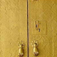 Meknes, Morocco, 21 October 2006<br /> A house door in Meknes. <br /> Photo: Ezequiel Scagnetti