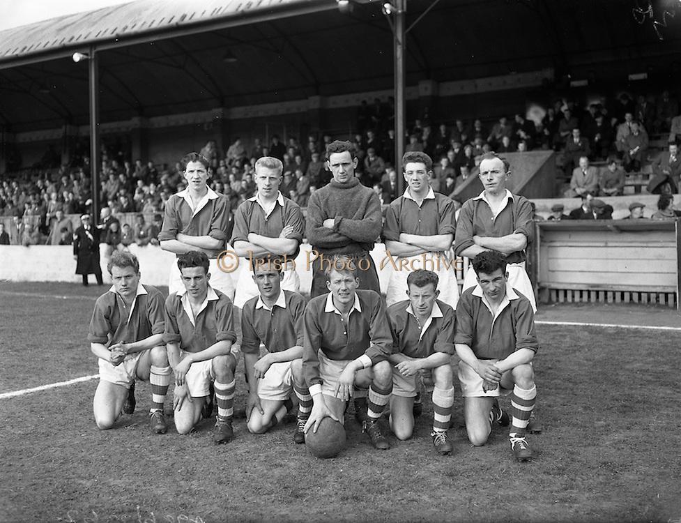 28/03/1959 <br /> 03/28/1959<br /> 28 March 1959 <br /> Soccer: F.A.I. Cup Semi-final St Patrick's Athletic v Cork Hibernians at Tolka Park, Dublin. The St Patrick's Athletic team. team.