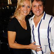 NLD/Hilversum/20061003 - 1e Tryout concert Rene Froger, Rene met partner Natasja Froger - Kunst