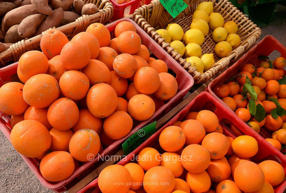 Citrus fruit, Farmers Market, Tucson, Arizona, USA.