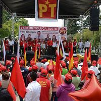 Toluca, México.- Guillermo Molina, Candidato del PT por la alcadia de Toluca realizó su cierre de campaña en el parque Cuauhtemoc, Alameda. Agencia MVT / Arturo Hernández.