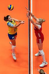 29-05-2019 NED: Volleyball Nations League Poland - Brazil, Apeldoorn<br /> Ana Beatriz Correa #20 of Brazil, Agnieszka Kakolewska C #5 of Poland
