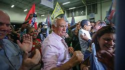 """O candidato ao senado pela coligação """"O Rio Grande Merece Mais"""", Lasier Martins concede entrevista coletiva após ser declarado eleito em Porto Alegre. FOTO: Jefferson Bernardes/ Agência Preview"""