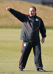 10.03.2010, Melwood Training Ground, Liverpool, ENG, UEFA EL, Liverpool FC Training, im Bild Liverpool's manager Rafael Benitez gibt Anweisungen, erzeigt wo es lang geht, EXPA Pictures © 2010, PhotoCredit: EXPA/ Propaganda/ D. Rawcliffe / for Slovenia SPORTIDA PHOTO AGENCY.
