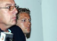 Friidrett<br /> 20.07.2010<br /> Foto: Morten Olsen, Digitalsport<br /> <br /> Pressekonferanse Norges Fri-idrettsforbund<br /> Ullevaal Stadion<br /> Anledning av at kappgjengeren Erik Tysse har avlagt en positiv dopingprøve<br /> <br /> L-R:<br /> Gunnar Martin Kjenner - Erik Tysse