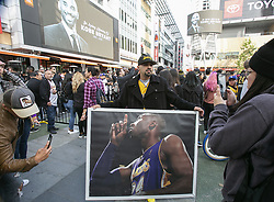 January 26, 2020, Los Angeles, California, USA: A memorial is held at Staples Center for former Los Angeles Lakers player Kobe Bryant who died in a Helicopter crash on Sunday.(Credit Image: © Prensa Internacional via ZUMA Wire)