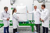 Koning opent nieuwe insectenkwekerij tijdens 10-jtijdens 10-jarig bestaan Protix