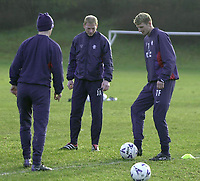Tore Andre Flo signs for Rangers and traisn with squad for first time.<br />Pic Ian Stewart, November 23rd. 2000.<br />Tore Andre flo with Barry ferguson and Jorge Albertz. (Photo: Digitalsport)