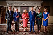 Beatrix der Nederlanden reikt woensdagochtend 14 juni 2017 de Zilveren Anjers van het Prins B