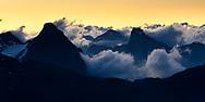 Morgen-Dämmerung über den Livigno-Alpen, Diavolezza, Pontresina, Engadin, Graubünden, Schweiz<br /> <br /> Morning twilight over the Livigno Alps, Diavolezza, Pontresina, Engadin, Graubünden, Switzerland