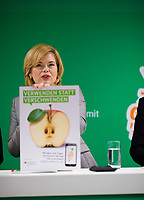 """DEU, Deutschland, Germany, Berlin, 22.02.2019: Bundeslandwirtschaftsministerin Julia Klöckner (CDU) beim Start der deutschlandweiten Kampagne gegen Lebensmittelverschwendung """"Kostbares retten"""" im PENNY-Markt Boxhagener Strasse."""
