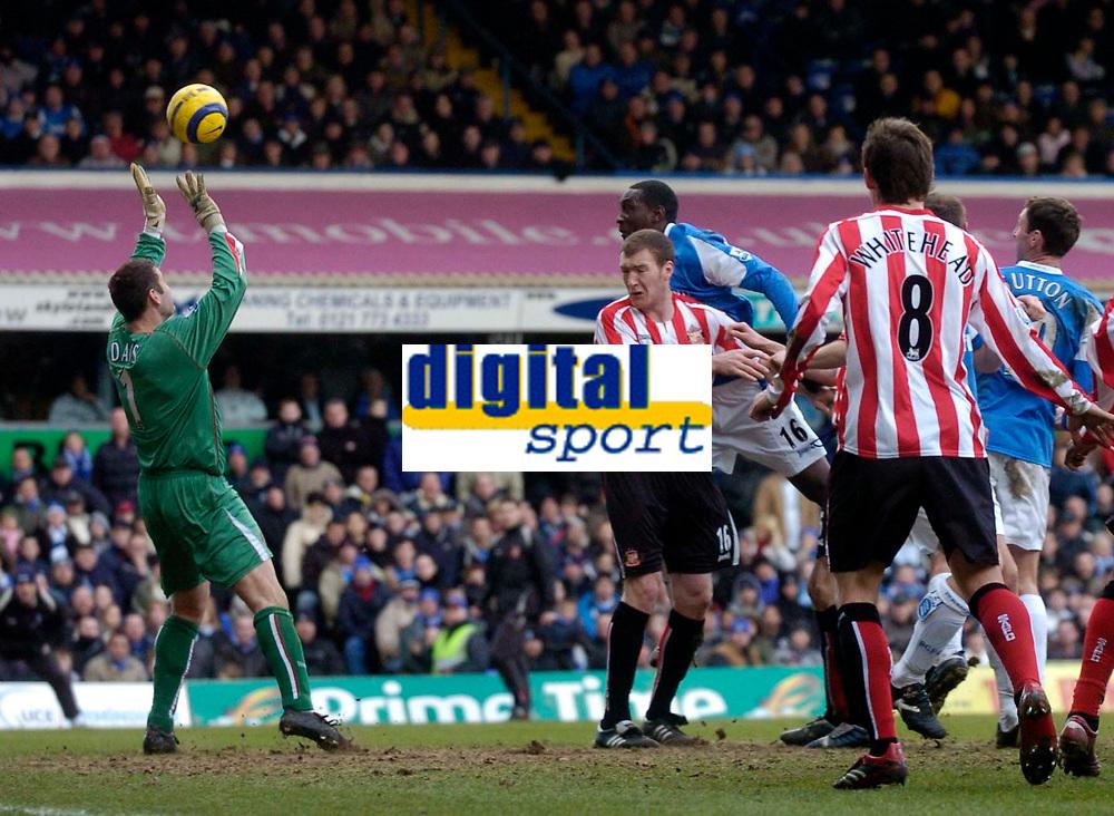 Photo: Glyn Thomas.<br />Birmingham City v Sunderland. The Barclays Premiership. 25/02/2006.<br />Birmingham's Emile Heskey (3rd, L) heads his team into a 1-0 lead, past Sunderland keeper Kelvin Davis.